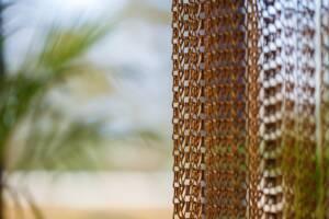 Ażurowe kotary z łańcuszków Poppa - Hotel Hilton Świnoujście